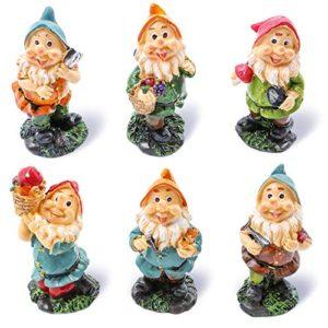 Juvale Set di 6mini Gnome cifre–Fairy Garden Gnomes–Gnome figurine, colori assortiti, 4,3x 10,2x 4,1cm